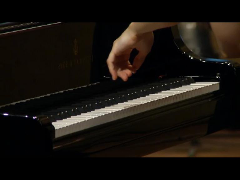 Stefan-Nestoroski,-5'-(video,2015).videostill